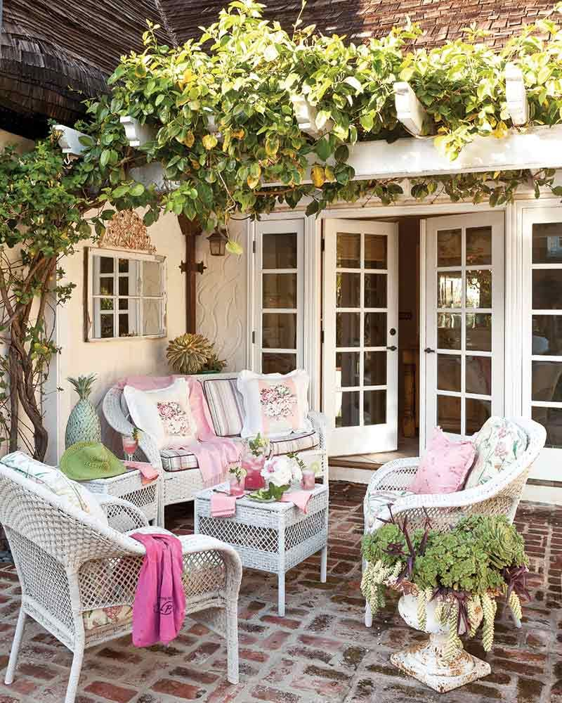 Peek Inside This Thatched-Roof California Cottage - Page 2 of 2 - Cottage Journal