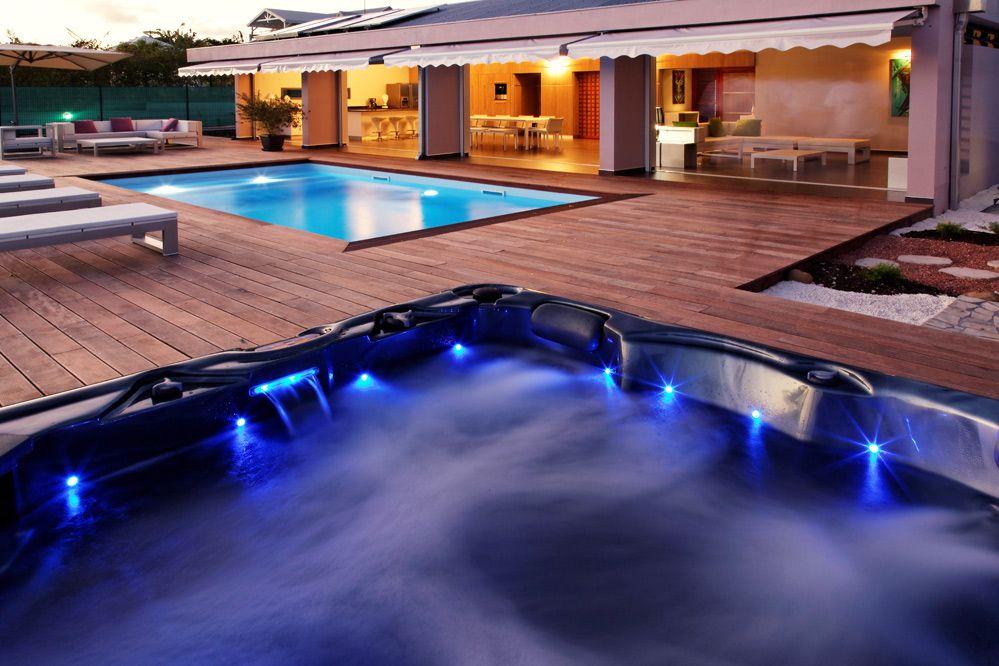 Location de villa de luxe en Guadeloupe  La coulée bleue - piscine