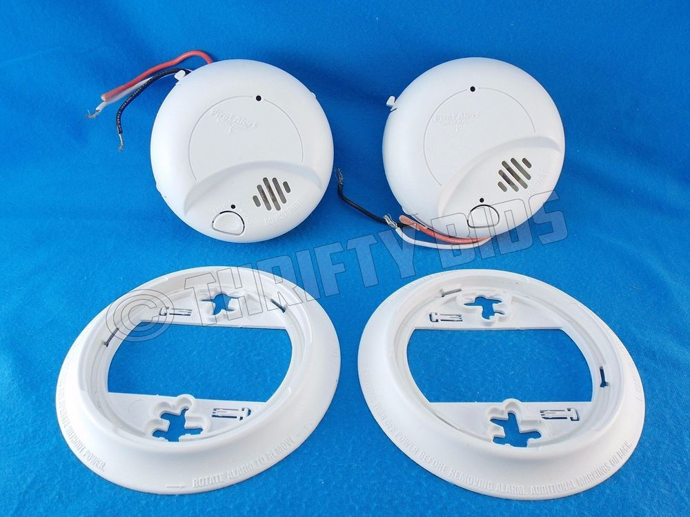 First Alert 9120B BRK Smoke Alarm Wired with Battery Backup 2 Piece