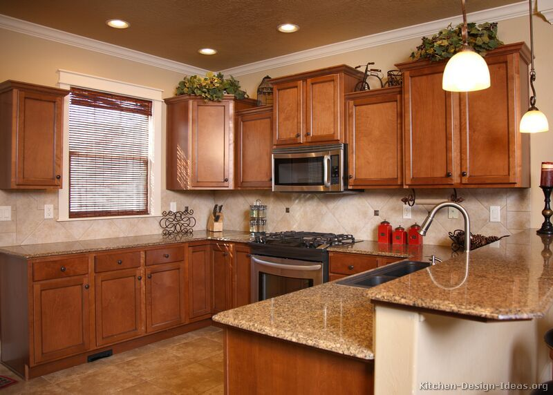 kitchens with a penninsula pictures of kitchens traditional medium wood cabinets golden - Golden Oak Kitchen Design Ideas