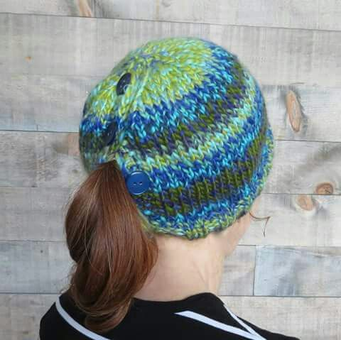 06271a420 Quick & Soft Ponytail / Messy Bun Hat - the pattern is up on Ravelry ...