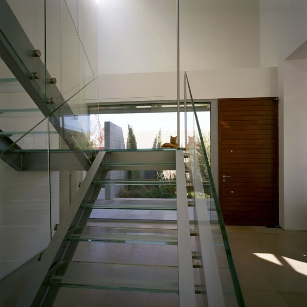 Best Modern Two Story Dwelling Of Concrete And Wood In Greece 400 x 300