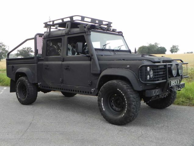 (Update) Awesome Land Rover Defenders Spotted On Set Of Bond Movie