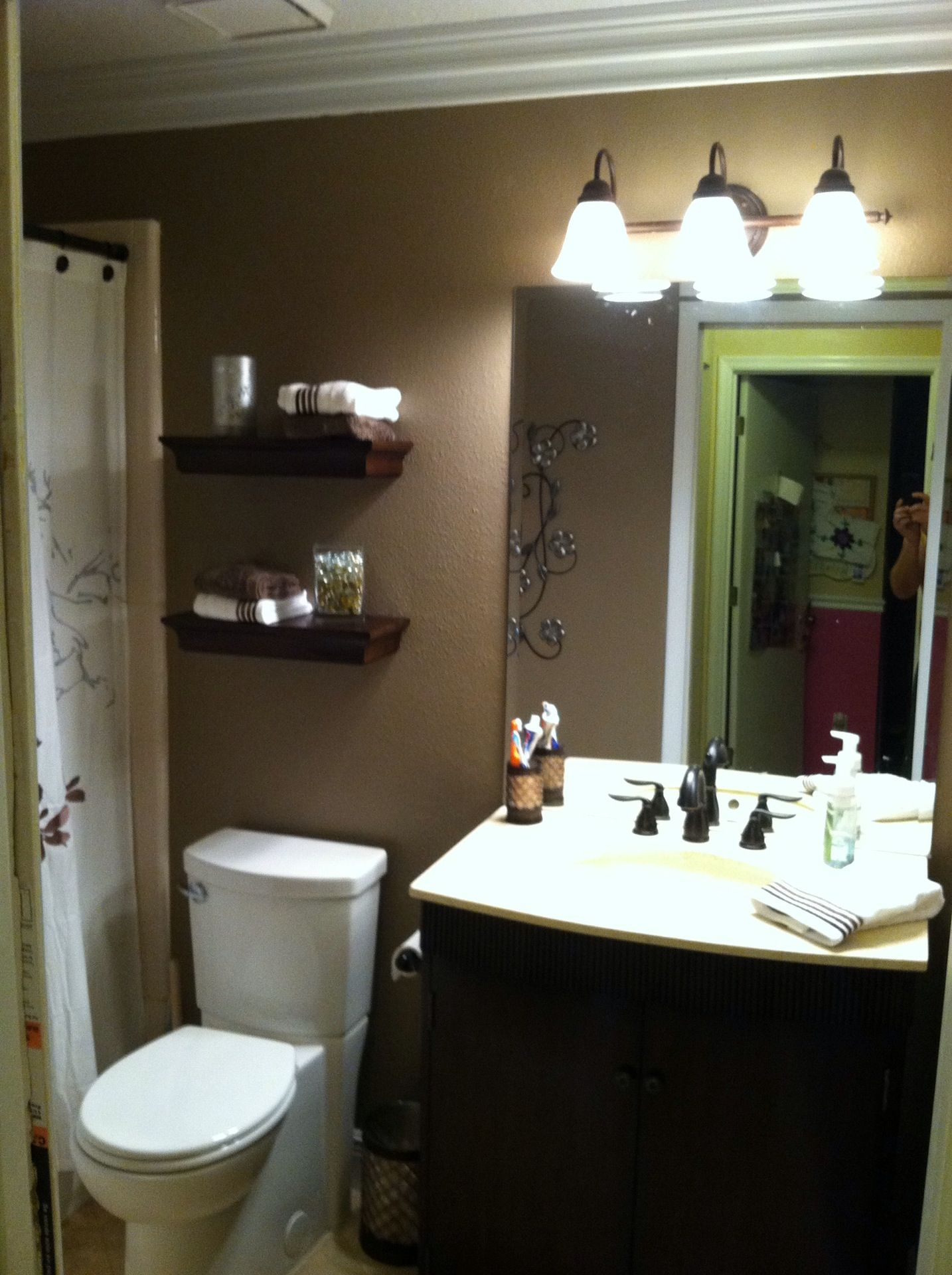 Small bathroom remodel ideas pinterest love the shower for Small main bathroom ideas