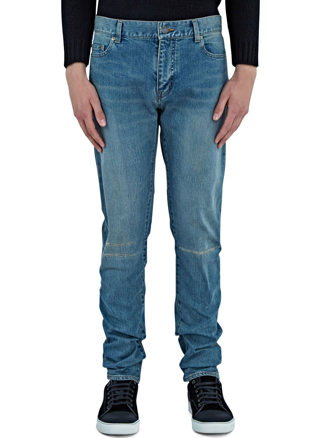 Destroyed knee skinny jeans