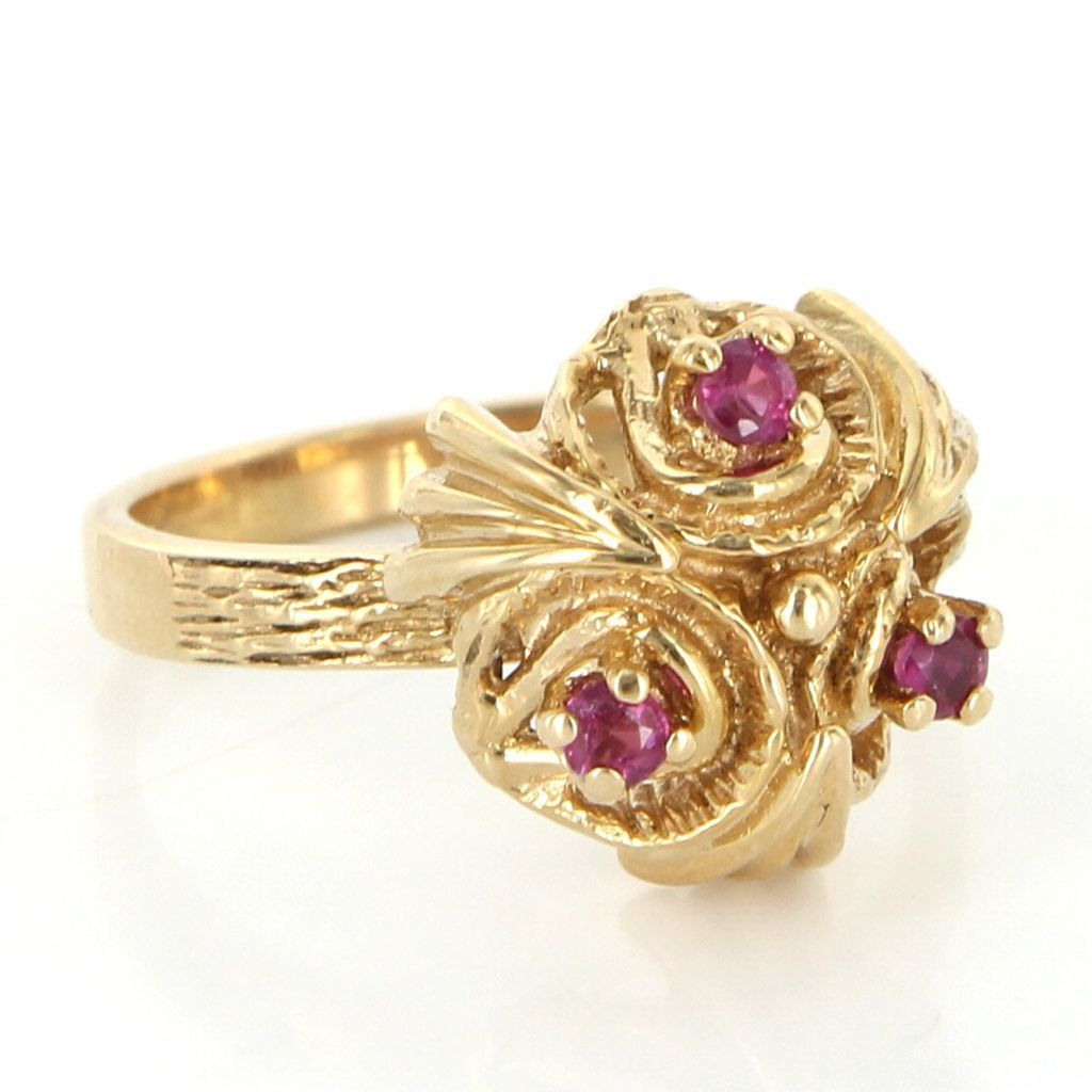 Vintage Cocktail Ring  Overview: Offered for sale is a truly superb vintage…