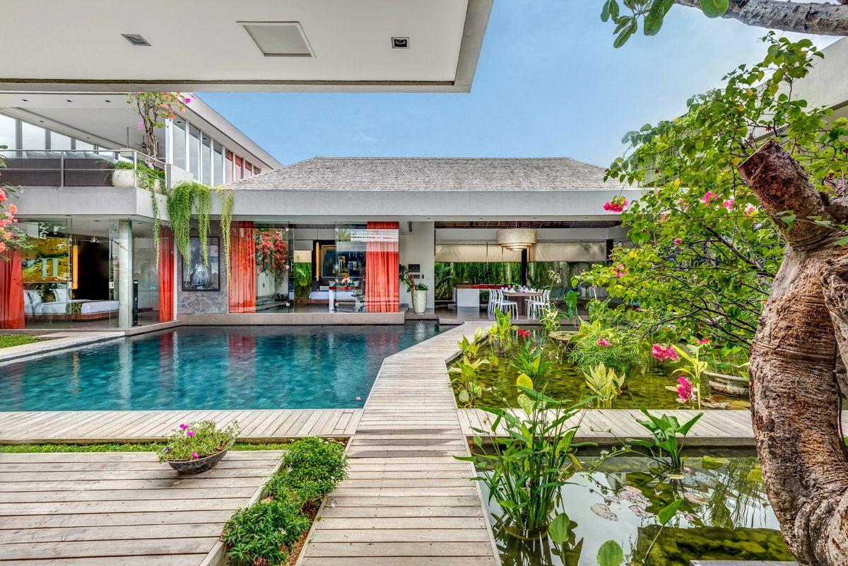 Villa Banyu 4 Bedroom Seminyak Villa Large Swimmingpool Water Beautifulbali Balibeautiful Outdoor Lounge Area Villa Luxury Villa Rentals