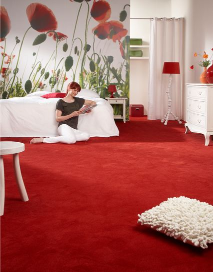 Slaapkamer met rode vloerbedekking Desso stream. Bedroom ...