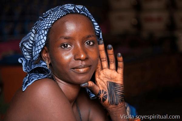 Se hizo historia, la mutilación femenina ahora es prohibida en Nigeria http://soyespiritu.al/1TgcrAy