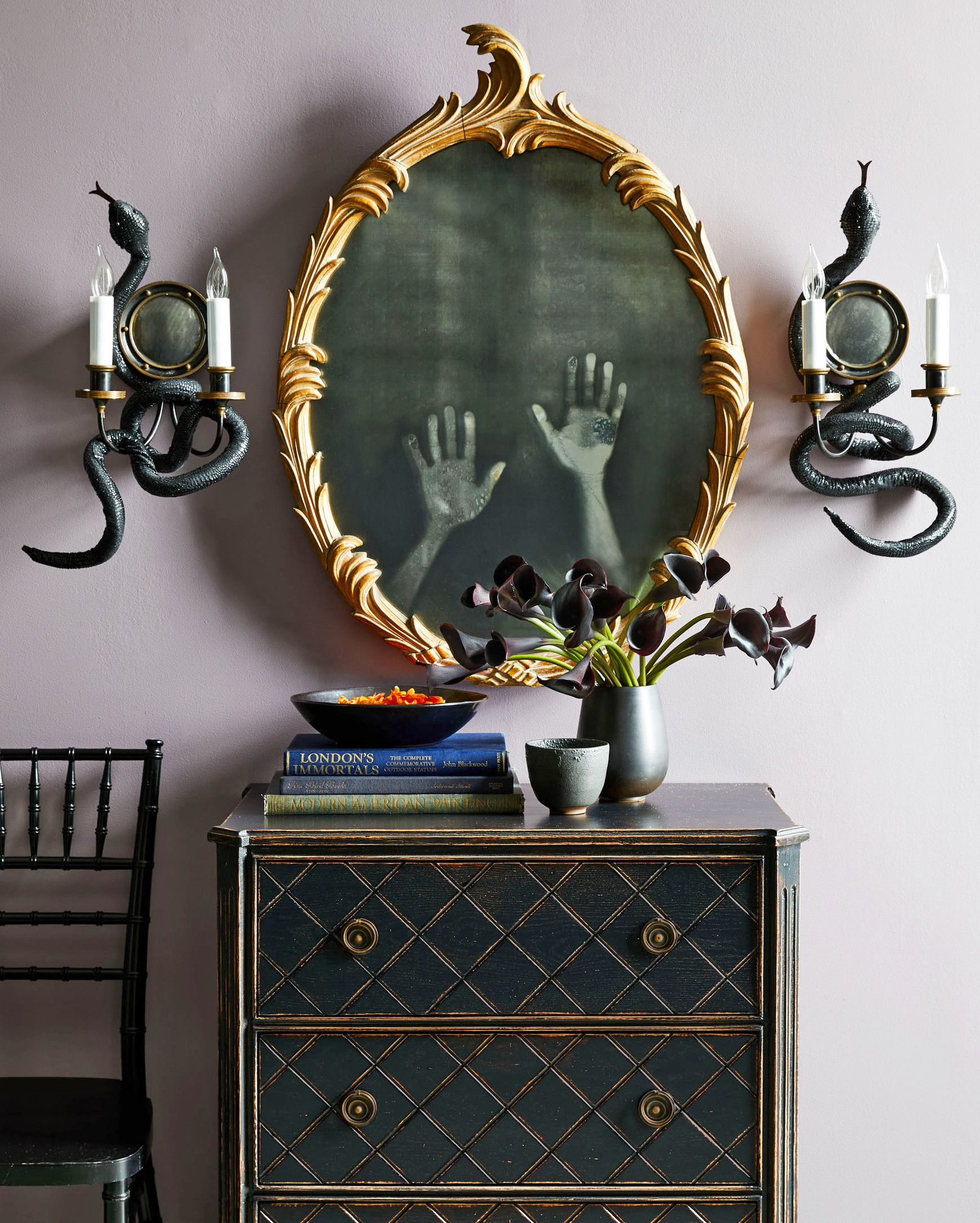 Haunted Mirror with Ghost Hands Scary halloween