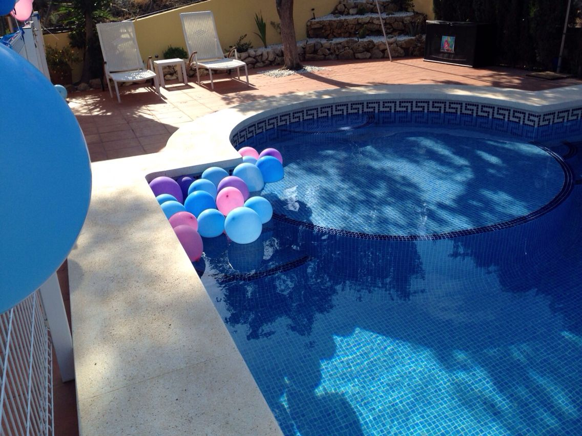 Decoracion piscina fiesta cumple la sirenita luana 5 for Ideas para cumpleanos en piscina
