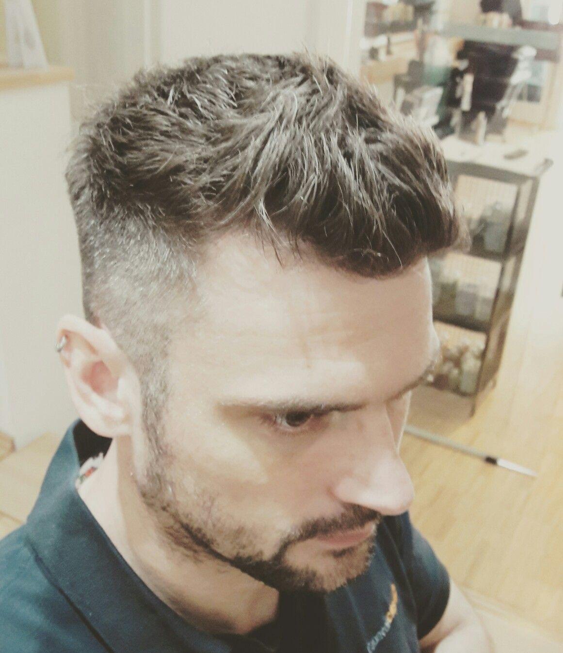 Herren Haarschnitt Die Seiten Sind In Den Konturen Auf 2mm