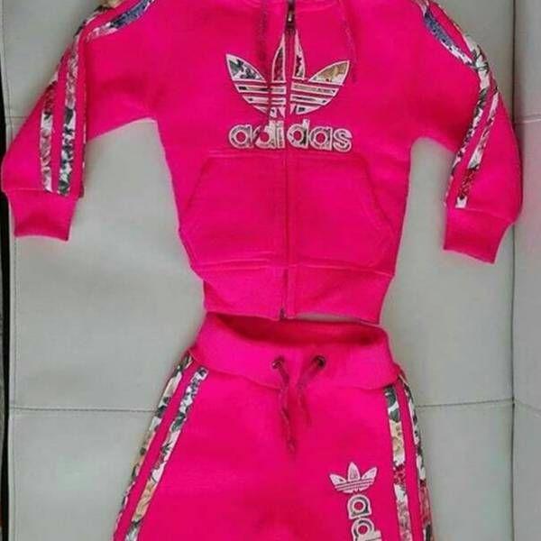 f5ada50b6ef06 Souprava Adidas vel. 104 z bazaru | Dětské oblečení z bazaru ...