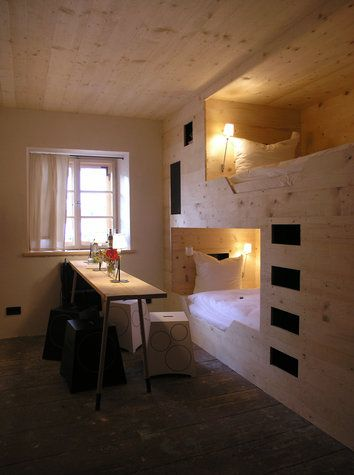 Hotel berge germany small spaces to covet bunk beds for Design hotel berge