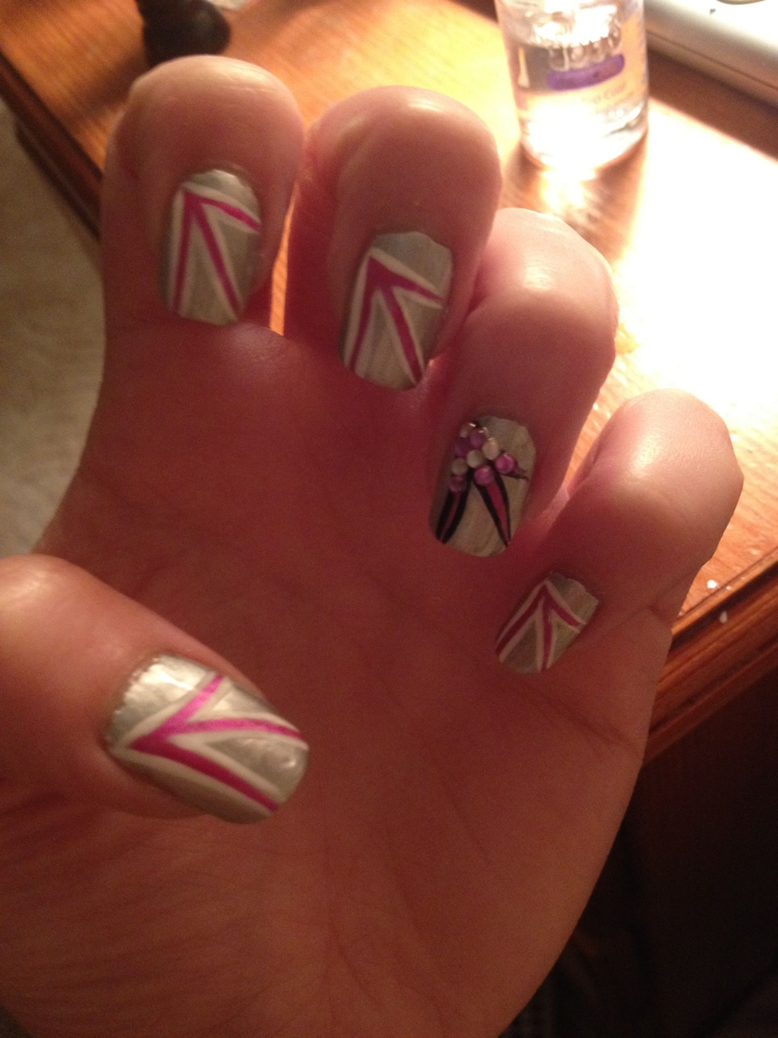 How To Create Nail Art On Mirrored Effect Varnish Nail Designs