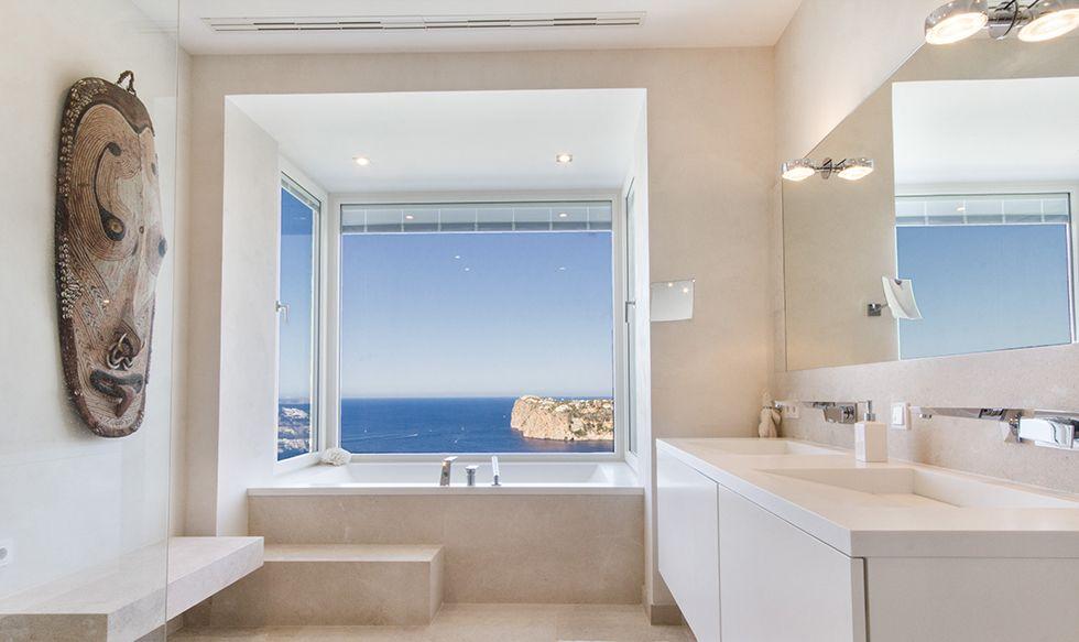 Villa Andratx - Luxus-Bad mit Meerblick