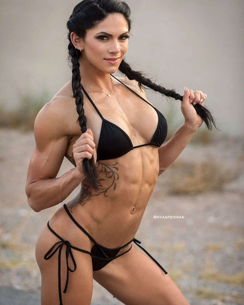 Aspen Rae Nude Photos 11