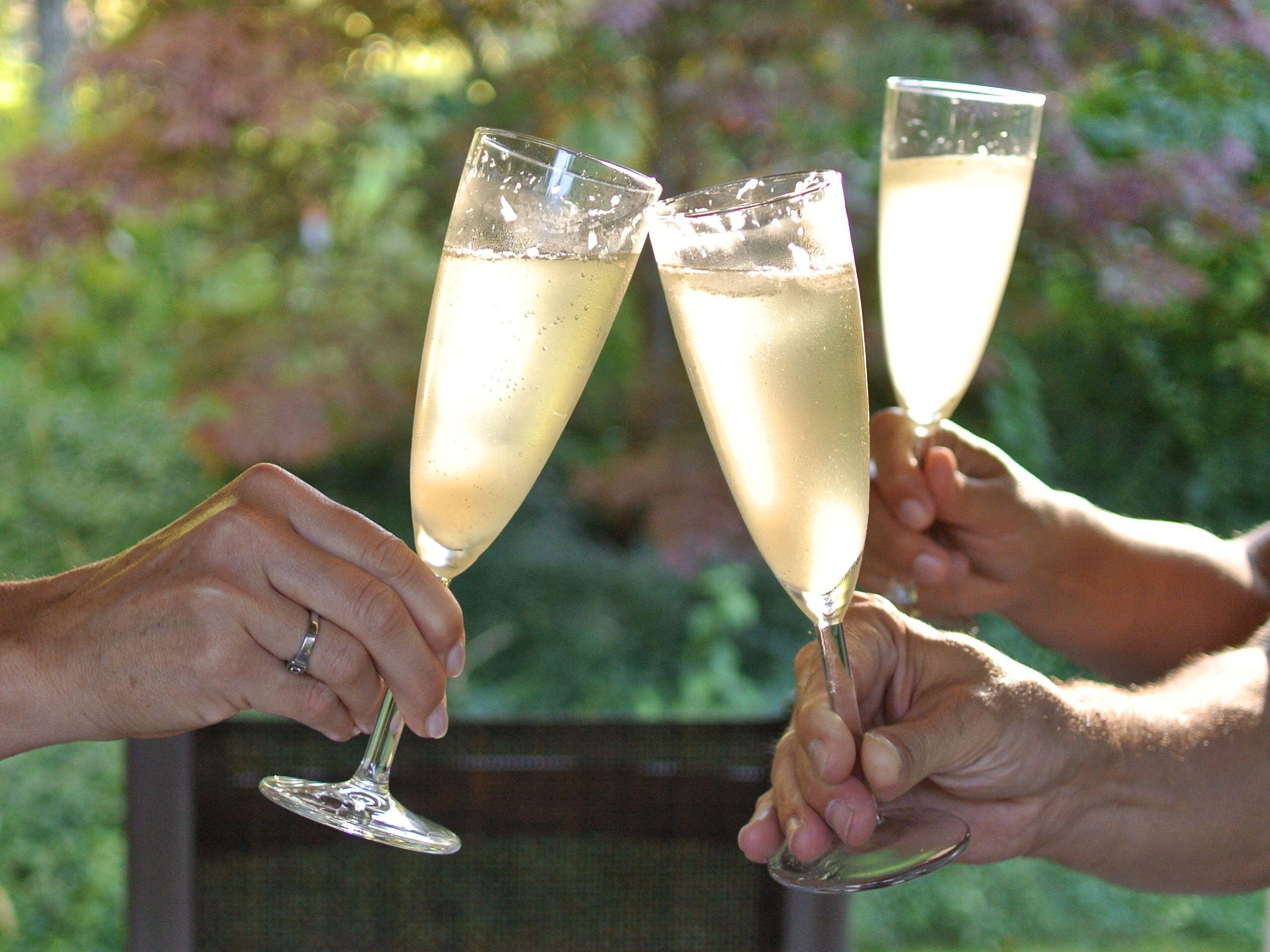 Cocktails aus Sirup zum Mädelsabend