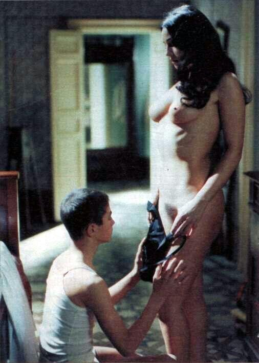 Muscular nude latino
