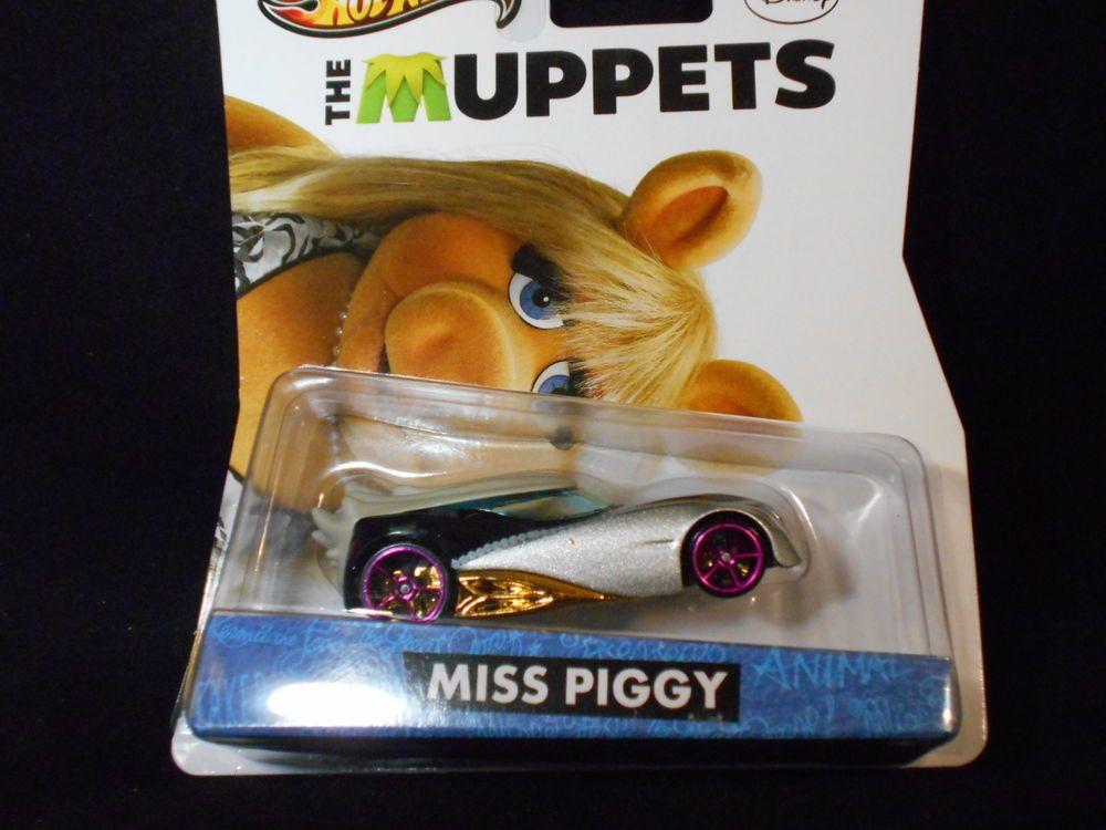 2013 HOT WHEELS RETRO TV SERIES  THE MUPPETS MISS PIGGY HOTWHEELS
