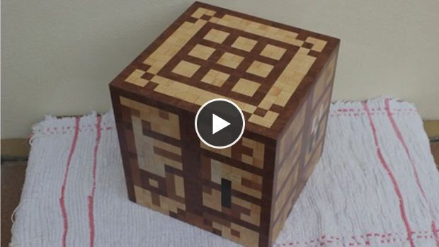 Minecraft Un Passionné Fabrique Une Vraie Table De Craft Minecraft Craft établi Minecraft