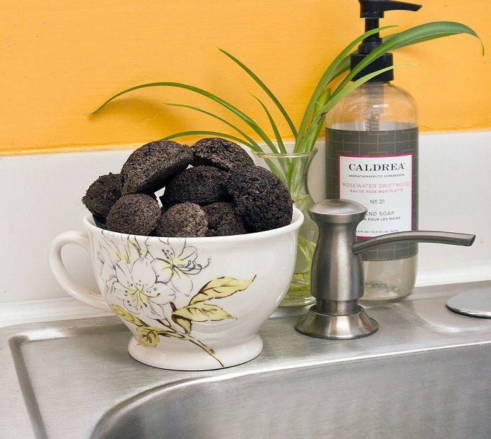 Limpiadores naturales de café molido para el triturador del fregadero