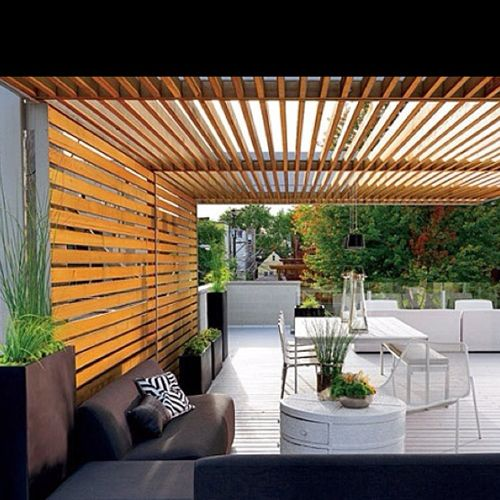 Porches de madera con aire vanguardista para dar un aire for Decoracion patios exteriores