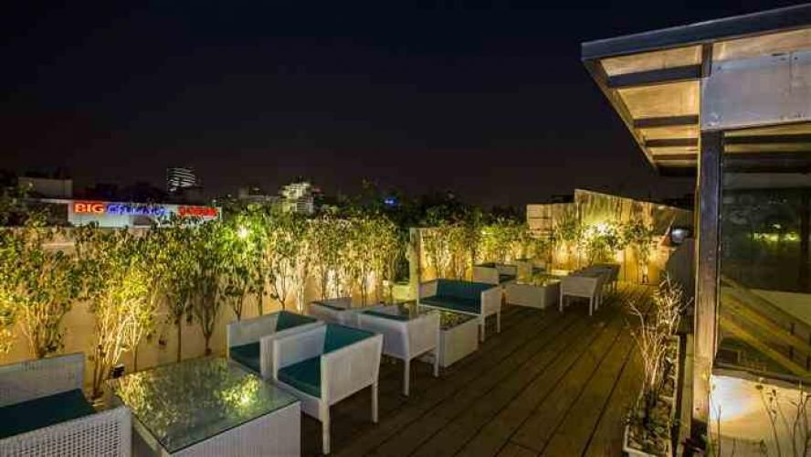 White waters best rooftop restaurants in delhi open for Open terrace restaurants