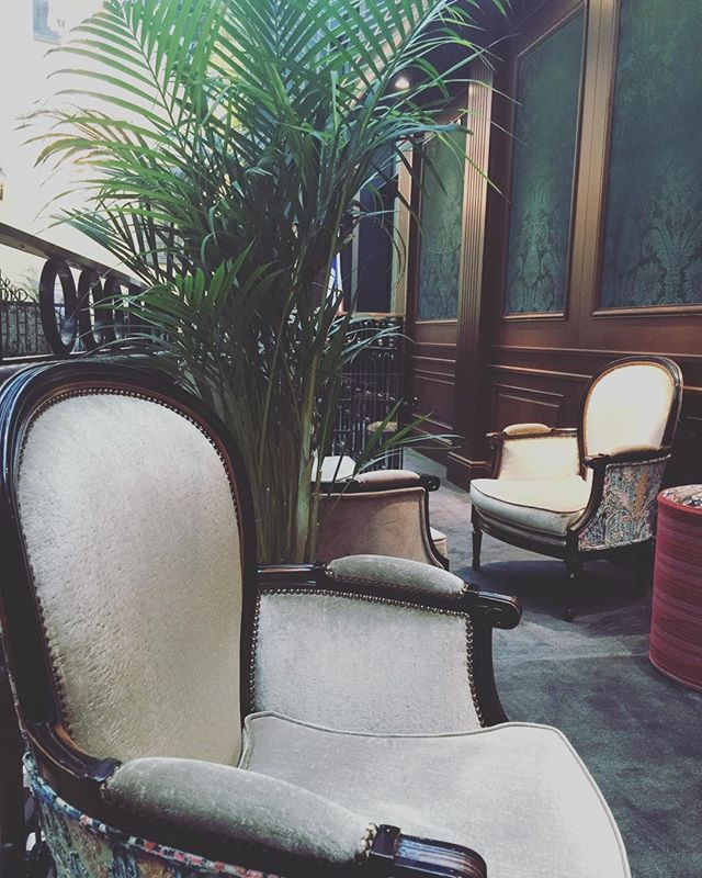 Kryp ned i fåtöljen och dröm dig iväg. #hotellife #hoteldesign #hotelkungsträdgården #livsnjutare
