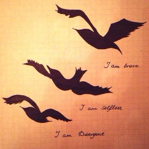 divergent bird tattoo necklace - 500×500