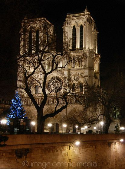 Paris in December | Notre Dame at Night | France |Travel Guide in Pictures