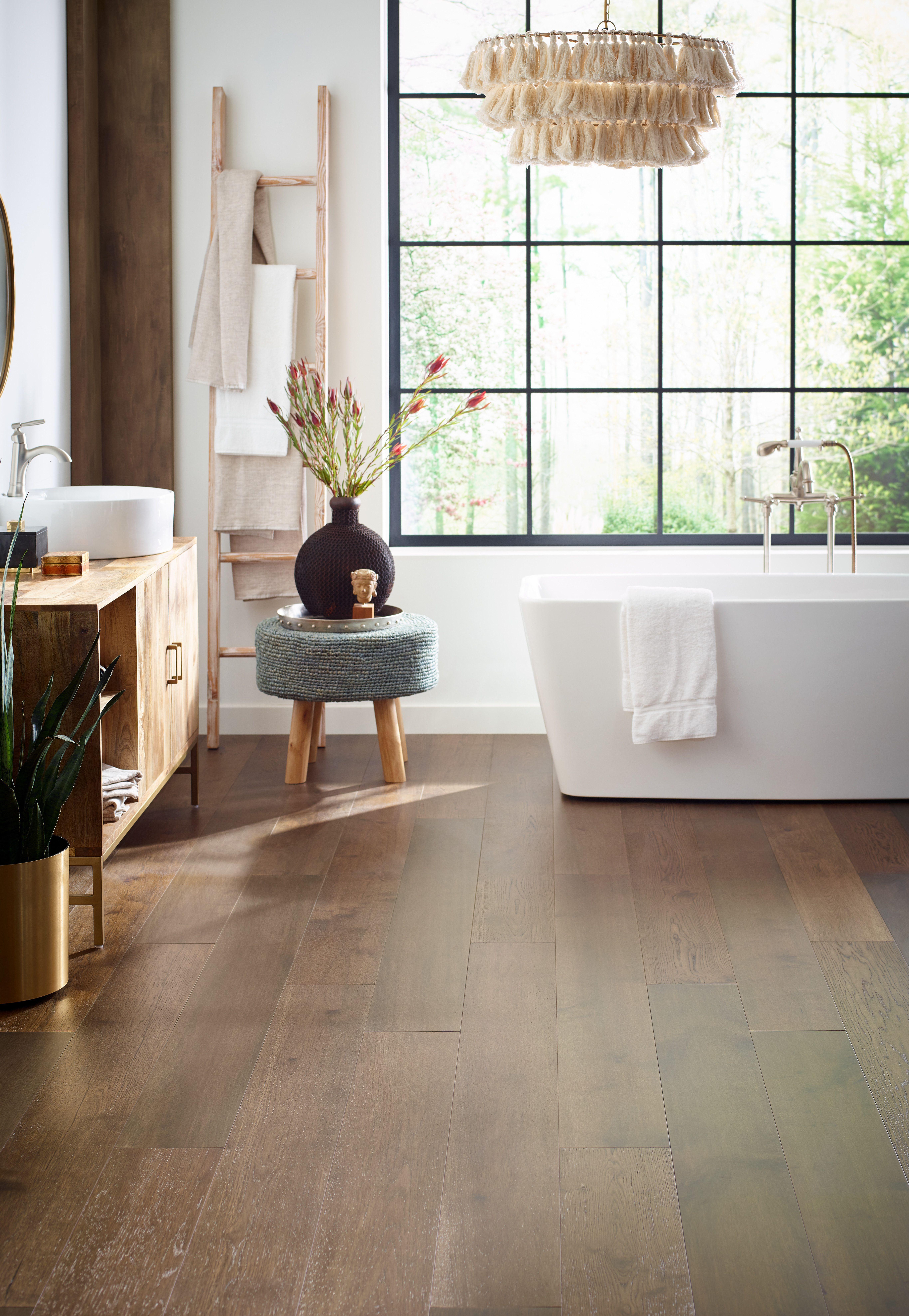 Boho Chic Bathroom Bathroom Bohochic In 2020 Flooring Chic Bathrooms Wood Floor Colors