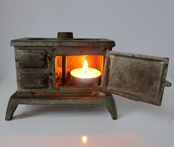 Mini Stove: Vintage Miniature Cast Iron Cook Stove Salesman's Sample