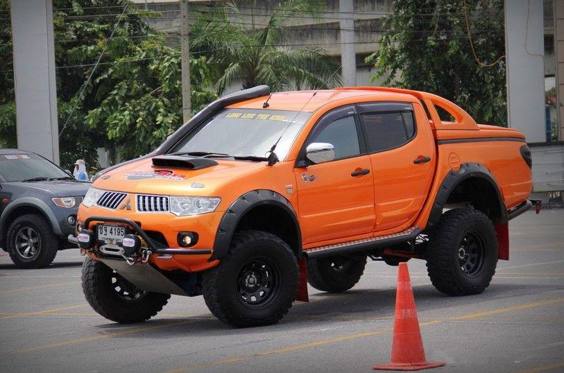 Truk Kren Mitsubishi Strada Triton Di Indonesia