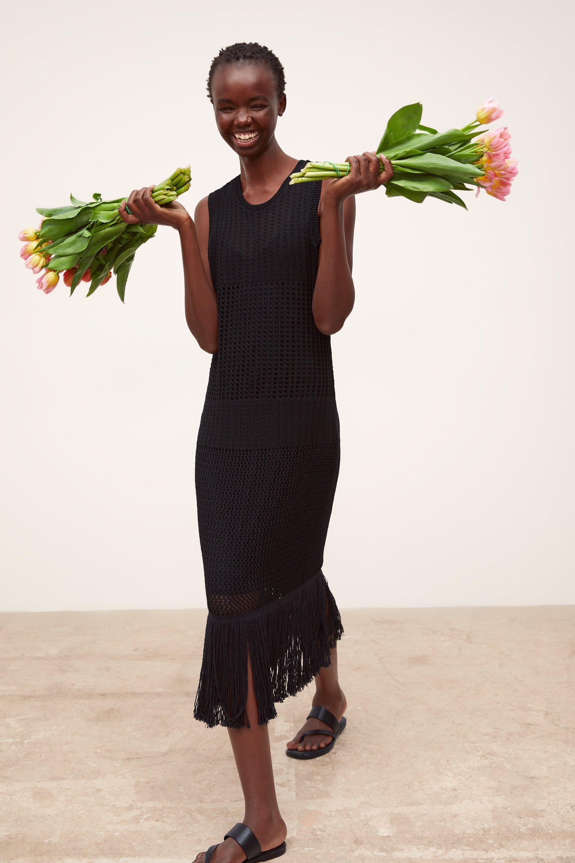 e54a6e05da79 Lång klänning med fransar i 2019 | fashionshoots