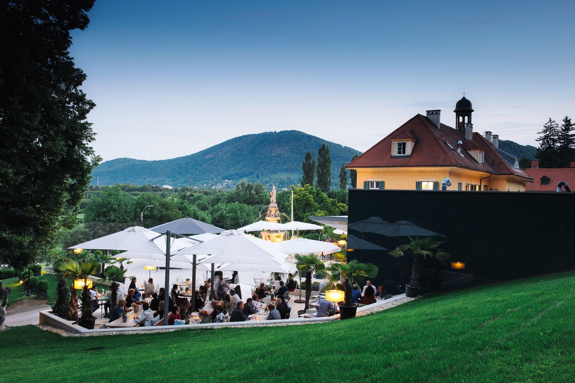 Aiola Schloss Das Aiola In Graz Am Schlossberg Schloss Hochzeit Schone Deko