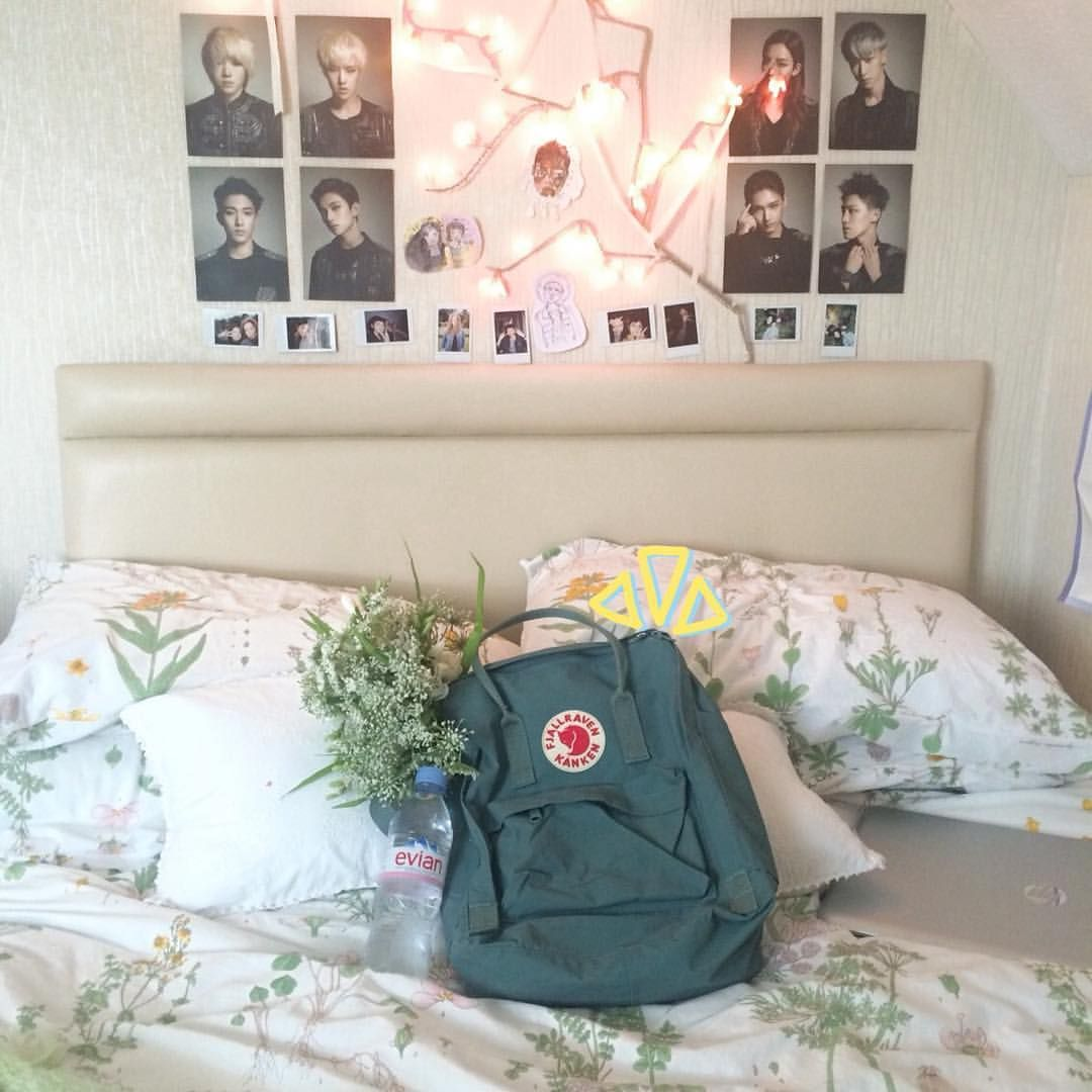 Kpop Bedroom Tumblr Pin By Haley On Kanken Deco Inspiration