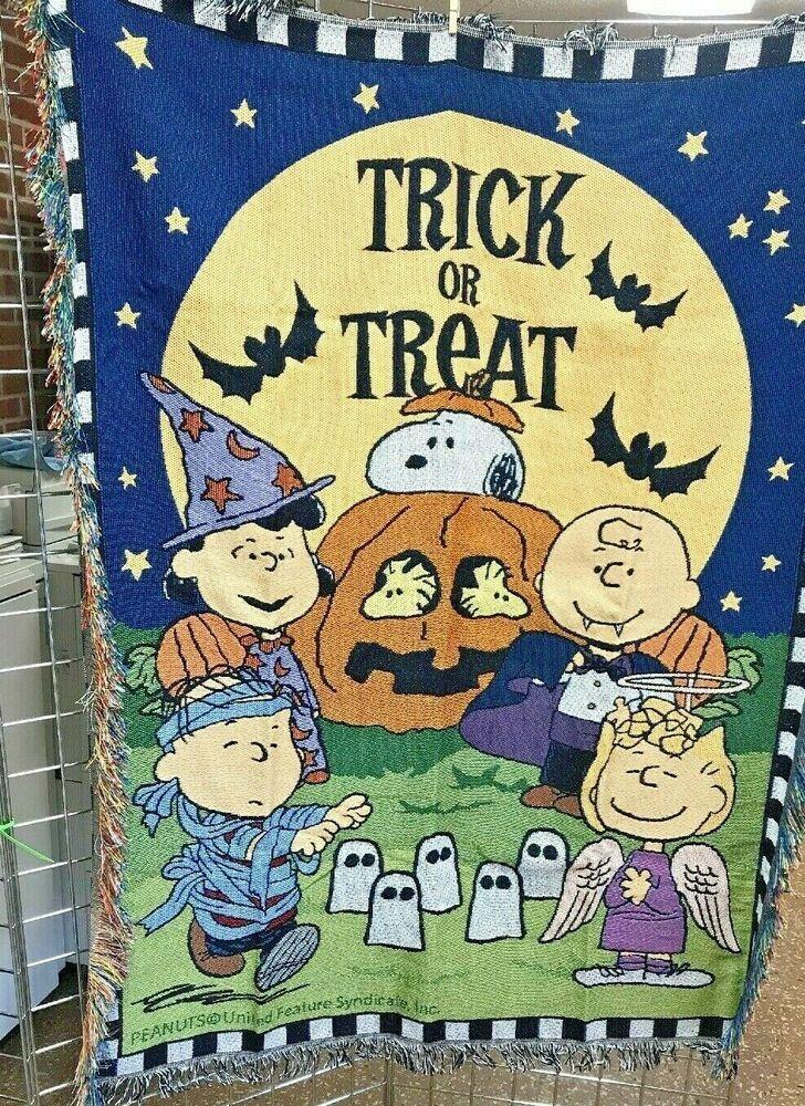 Peanuts gang halloween tapestry throw blanket charlie