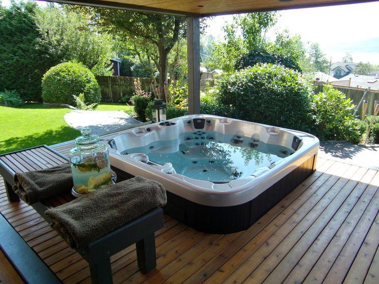 Hydropools amazing 670 Self Cleaning Hot Tub with Gazebo www - amenagement jardin avec spa