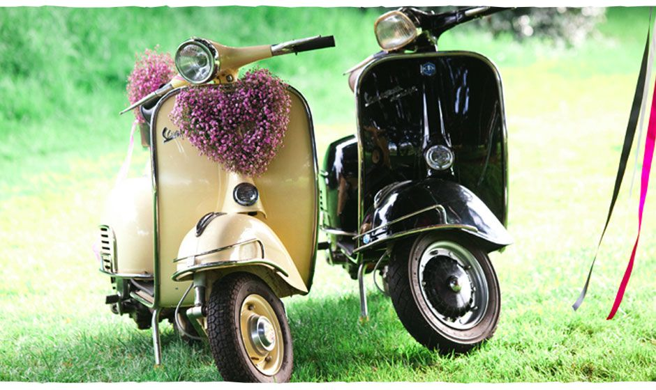 Fully Restored To A High Standard Cream Vespa Scooter For Hire Decoration Display Focal Point Hochzeit