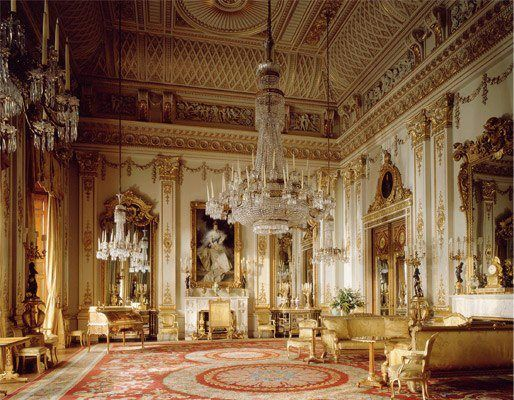 Buckingham Palace, The Gold Room (with secret door behind