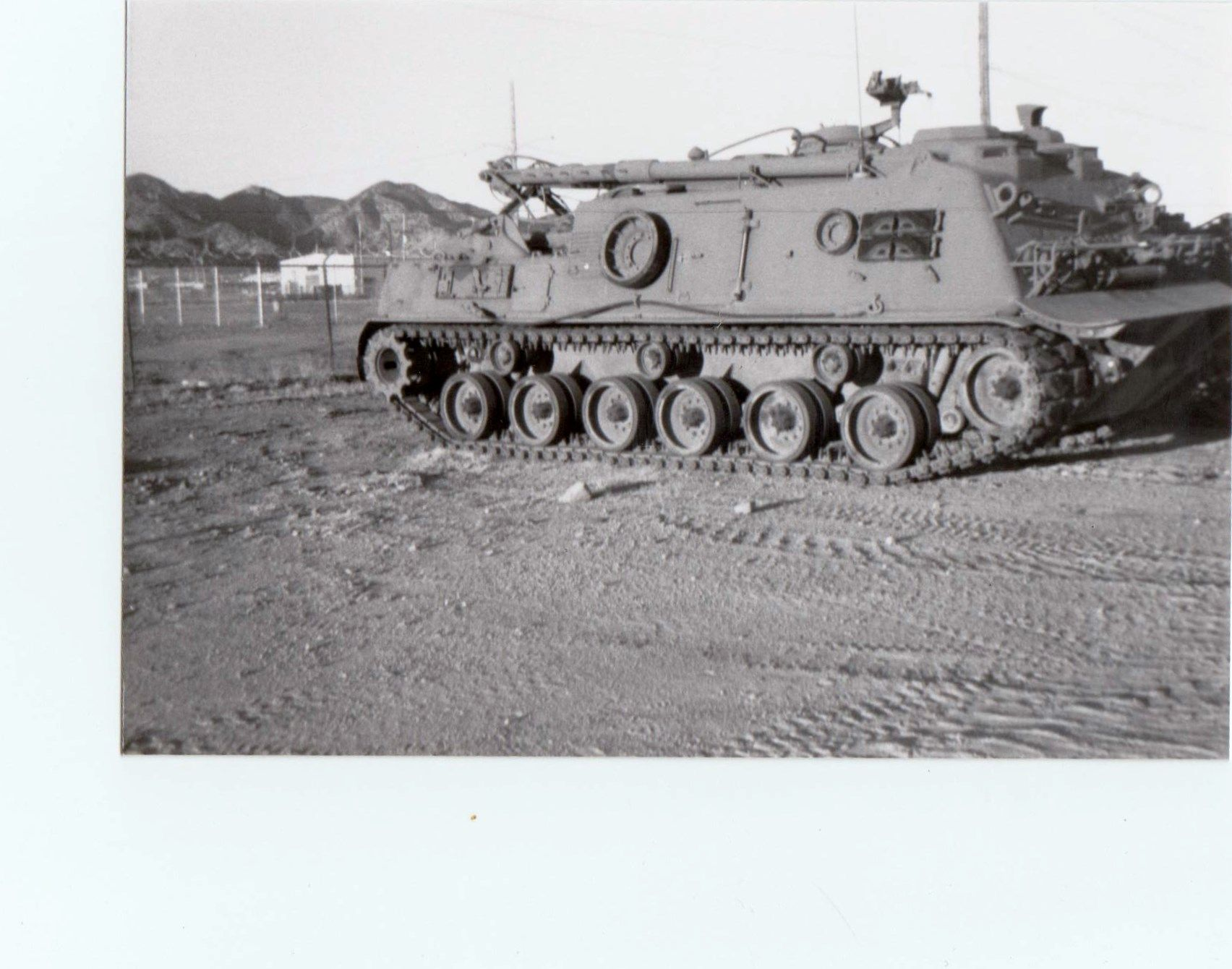 6135d620f093 M88 tank recovery vehicle. 8 40 ARBn Ft huachauca