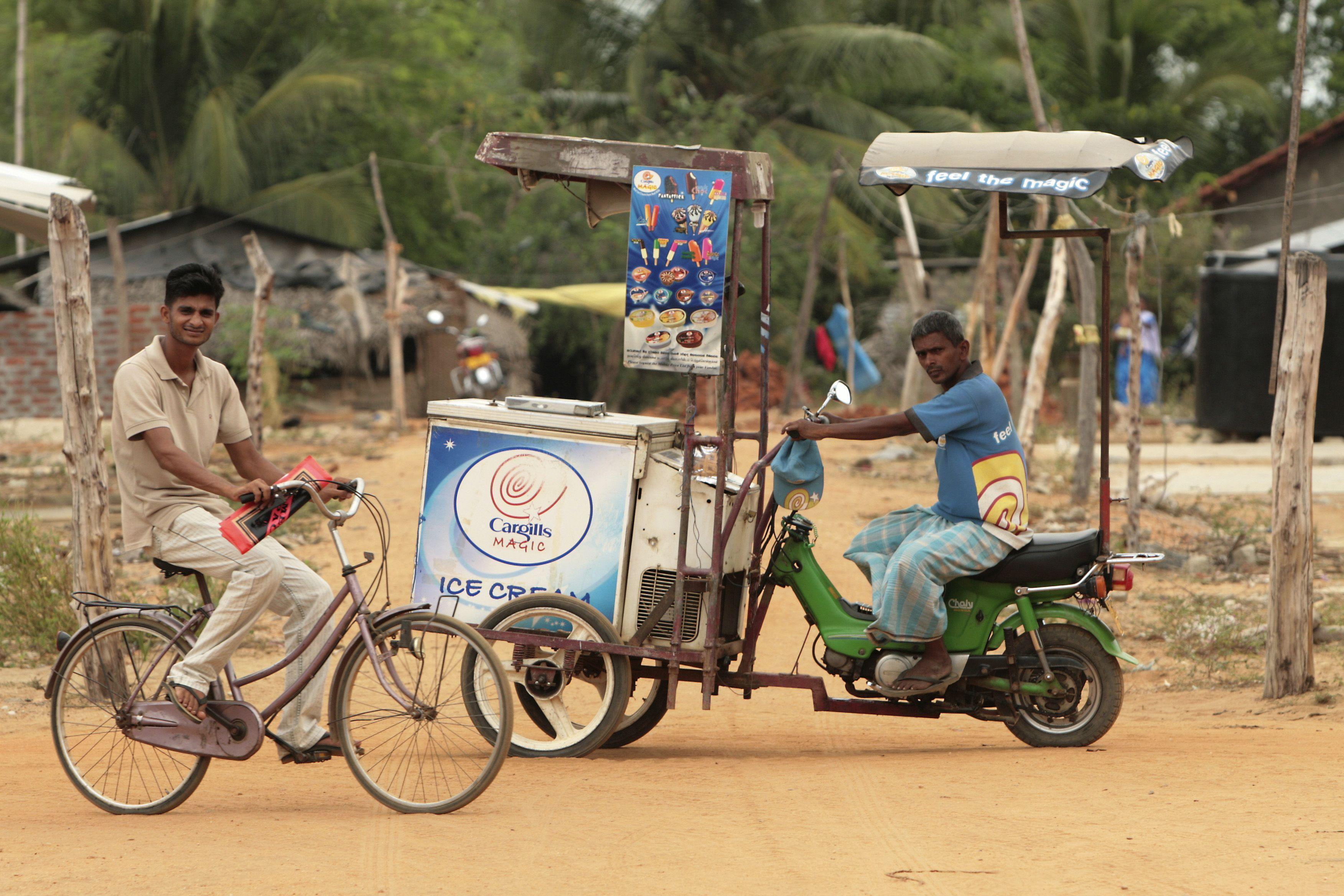 SriLanka Car Peddling