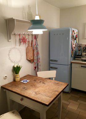 Abendlicher Küchenessplatz! Retro Kühlschrank Der Kultmarke #Smeg In  Hellblau! #interior #