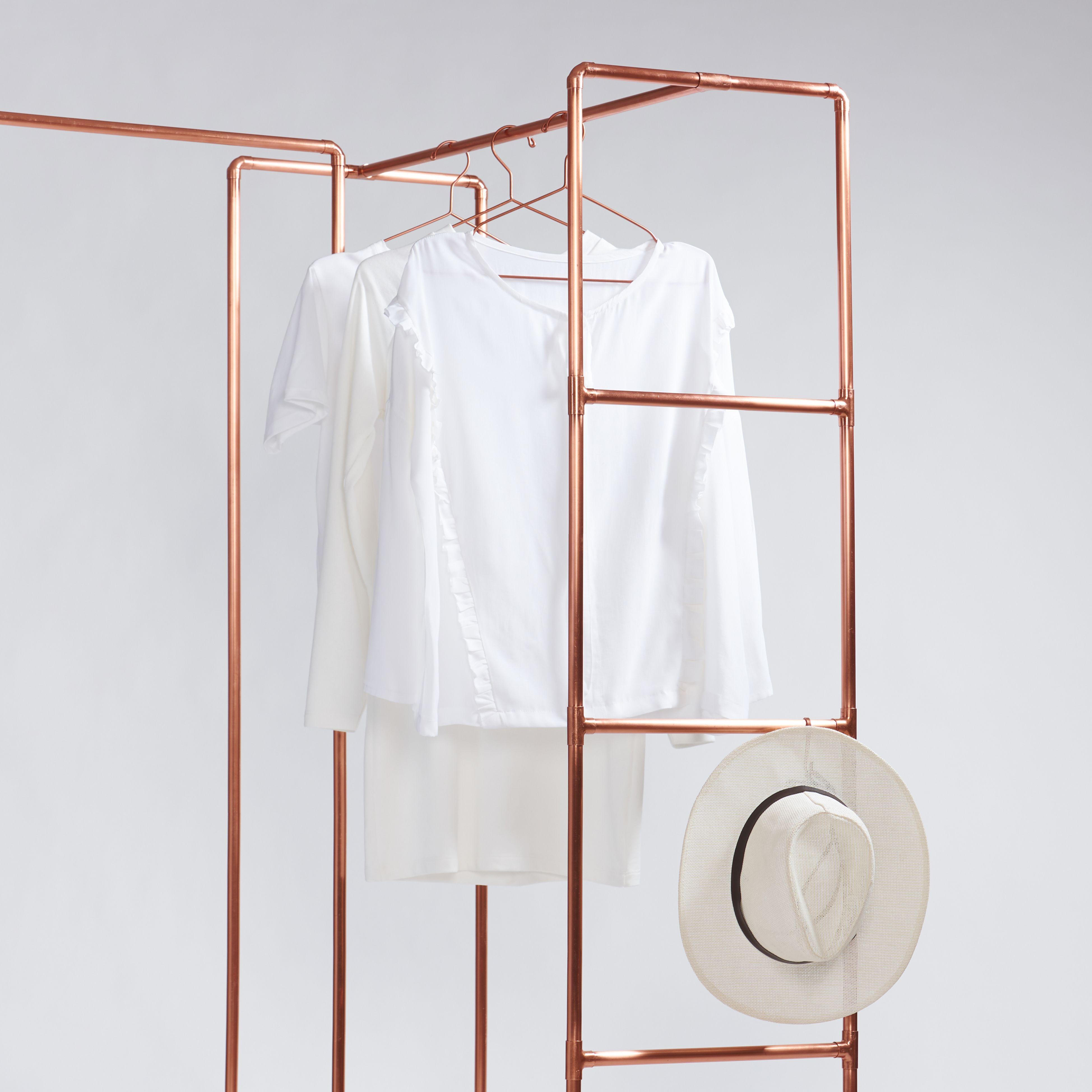 Stoisko Z Wieszakami Z Miedzianych Rurek Pokrowiec Gratis Copper Diy Clothing Store Displays Retail Display