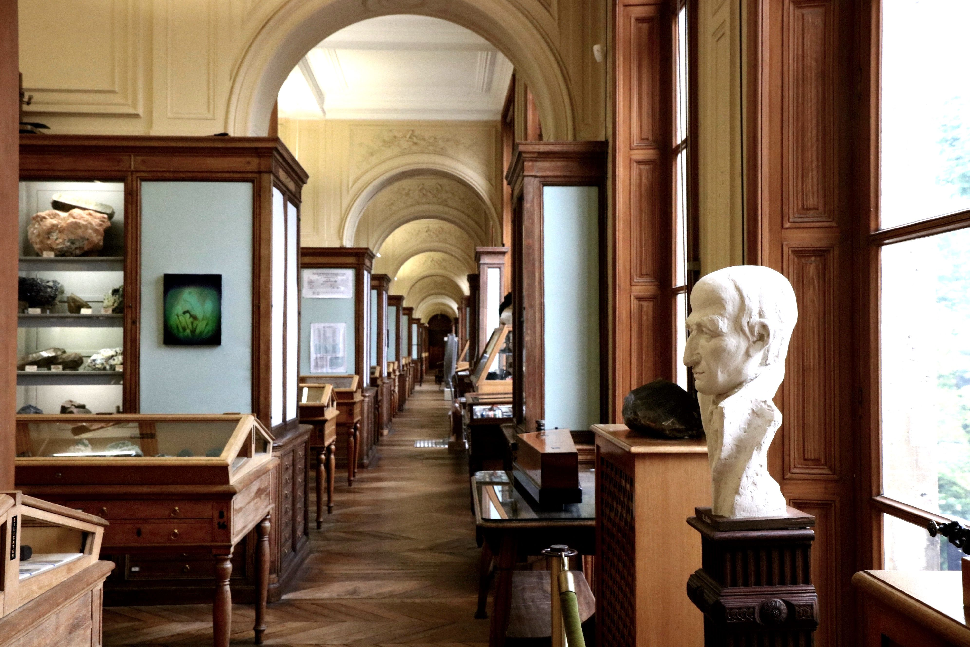 """""""Take the right hallway to the staircase, which will take you to another staircase, that will lead you to a doorbell on the first floor"""" – the exact instructions to finding the Museum of Mineralogy tucked awayin the university of MINES Paris Tech. Paris hides one of its most inspiringcabinets of c"""