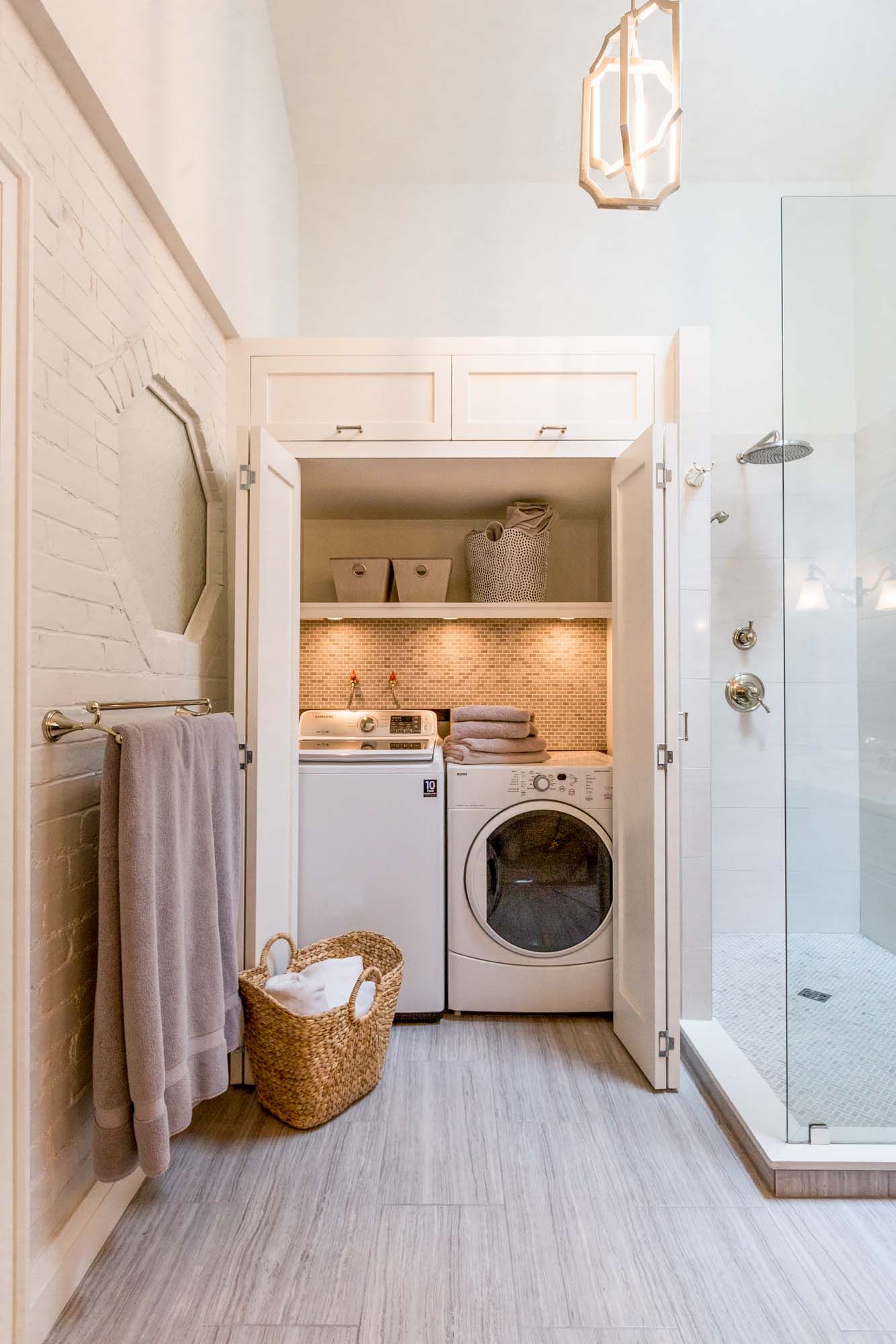 Lovely laundry inside bathroom bathroom laundry combo for Laundry room addition floor plans