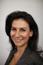 Portrait de marie drucker, presentatrice sur france television.
