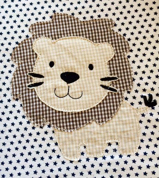 Löwe Doodle Stickdatei | Stickmuster, Stickdateien und Löwin