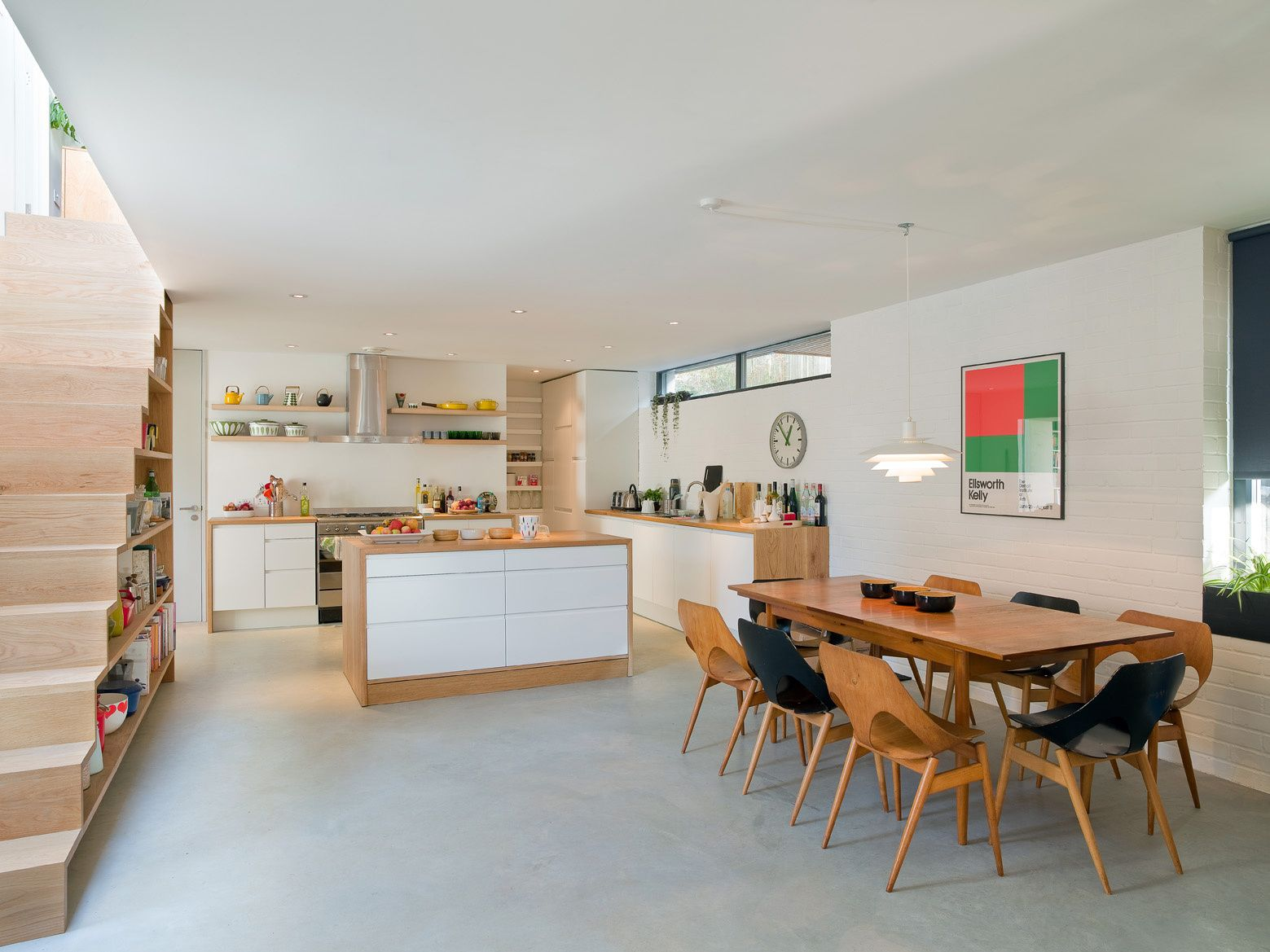 Kitchen And Dining Setup